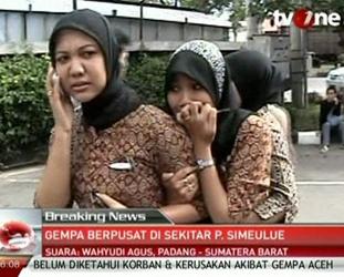 Endonezya'da artçılar da 8'den büyük!
