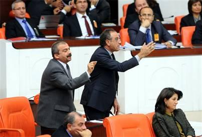 Meclis'te 'biber gazı' kavgası
