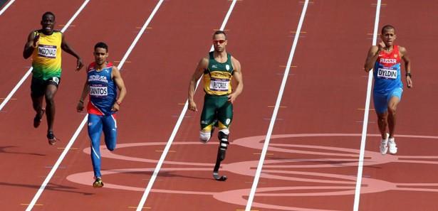 Bacakları olmayan koşucu yarı finalde-VİDEO