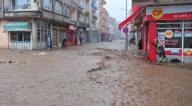 Trabzon ve Rize'de sel: Okullar tatil-FOTO
