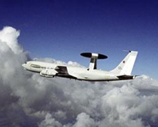 İsrail geri adım attı; AWACS'ları gönderiyor