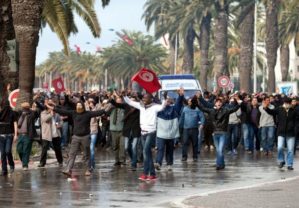 Tunus'ta Nahda'yı düşürme gösterisi