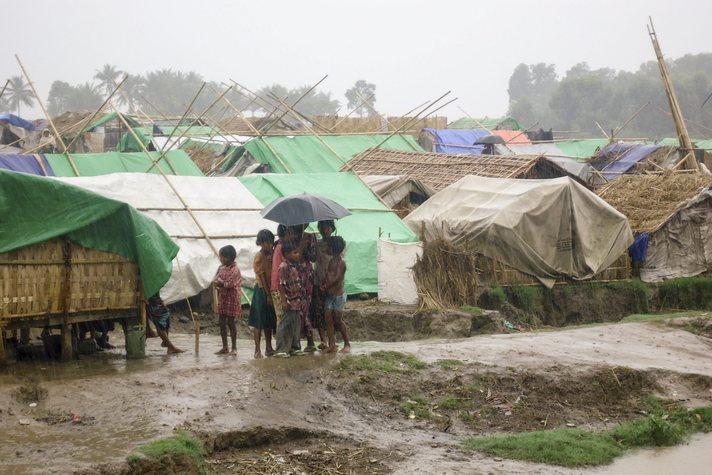Arakanlıların bir kısmı kampları boşaltıyor-FOTO
