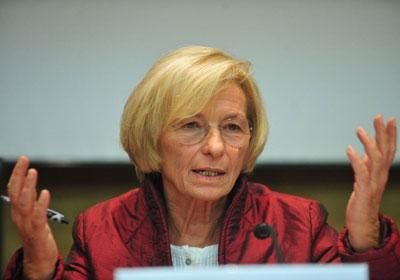 İtalya Dışişleri Bakanı Bonino Lübnan'da