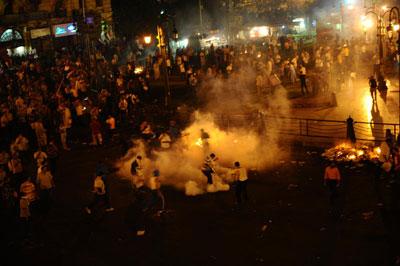 Mısır polisi, namaz sırasında müdahale etti