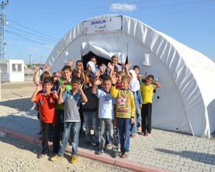 Suriyeli 4 bin yetim çocuk sığınmacı durumda