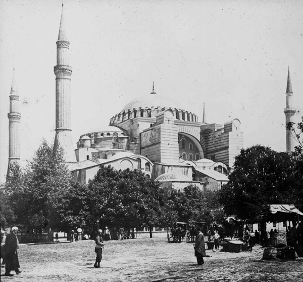 Ayasofya'da 1890'da namaz kılınırken-FOTO