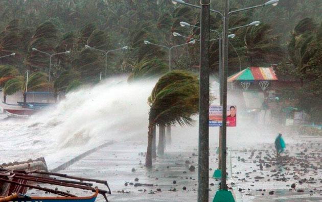 Doğu Çin Denizi'nde tayfun alarmı