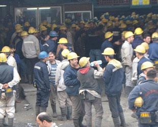 Zonguldak'ta ilginç eylem; işçiler ocağa kapandı!