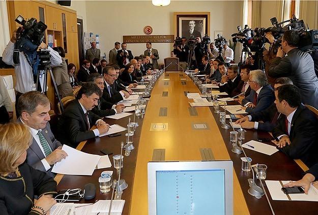 Uzlaşma komisyonu Ak Parti'siz toplandı