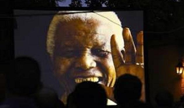 Mandela 1'inci ölüm yıldönümünde anılıyor