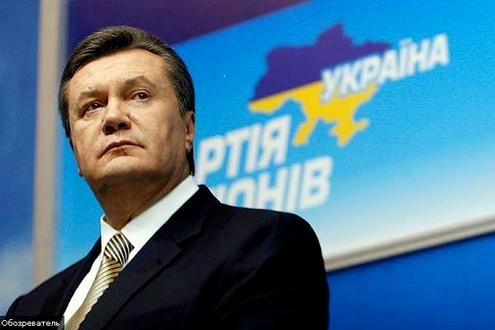 Yanukoviç istifa iddialarını yalanladı