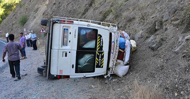 Ayvacıkta trafik kazası: 2'si ağır 6 yaralı