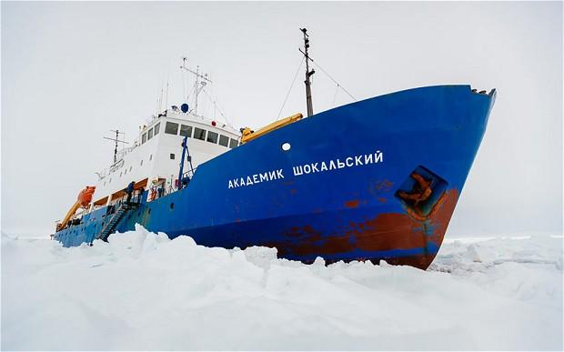 Buza sıkışan Rus gemisi kurtarılamadı