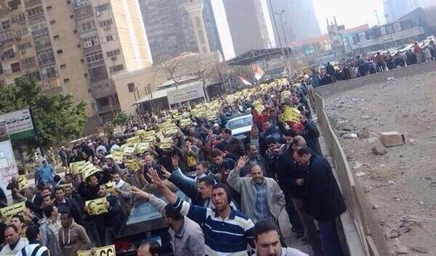 Mısır'da referandum günü eylem çağrısı