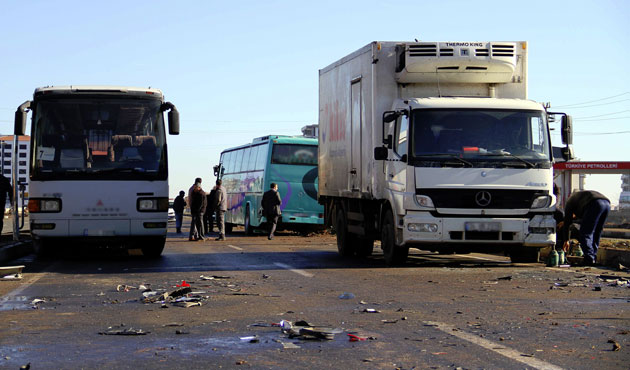 D.Bakır - Ş.Urfa yolunda 50 araç birbirine girdi
