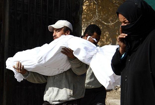 Rabia Meydanı'nda ölen kimsesizler defnedildi