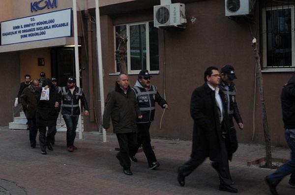 İzmir'de 100'den fazla savcının yeri değiştirildi