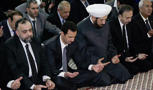 Esad Mevlid Gecesi programına katıldı