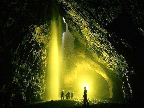 Entellektüeller ve mağara