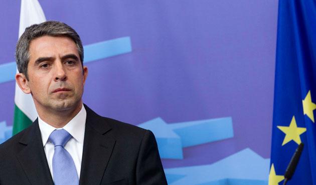 Bulgar lider her seçimde referandum istedi