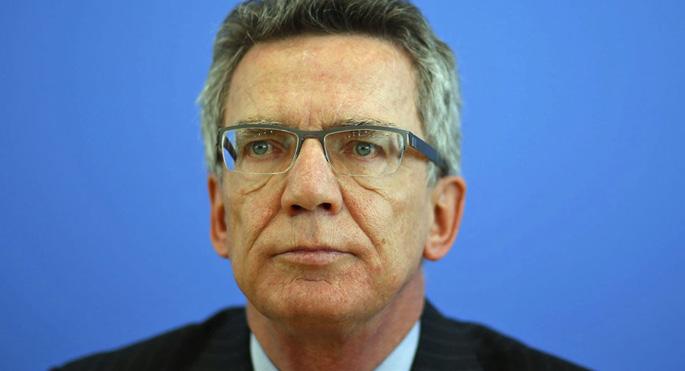 Almanya İçişleri Bakanı: Sınır kontrolleri devam etmeli
