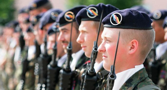 Fransa, Almanlarla askeri ortaklıkta acele ediyor
