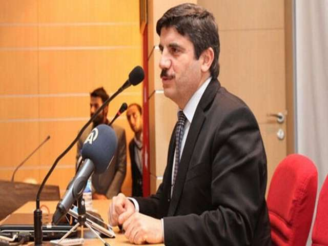 Yasin Aktay AK Parti G.Başkan Yardımcısı oldu