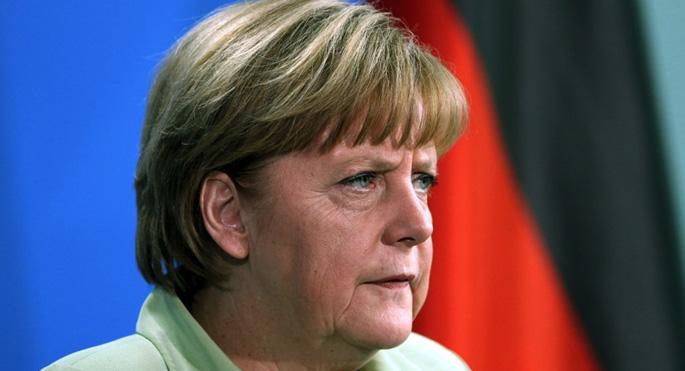 Merkel'den Ukrayna'ya şiddet uyarısı
