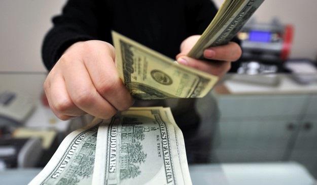 Dolar güne 2,20 lira ile başladı