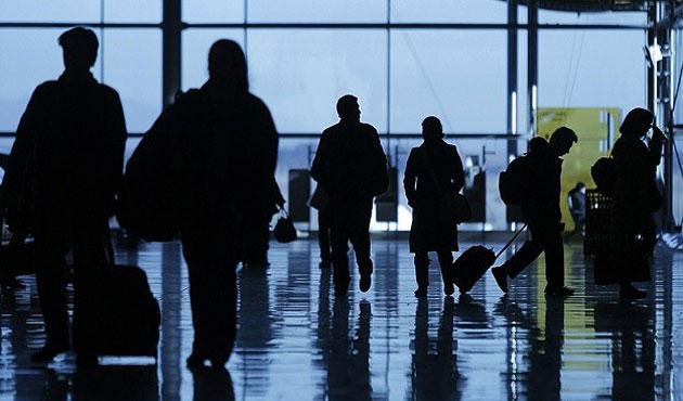 Sınır kapısına gelen yabancılar vizesiz giriş yapabilecek
