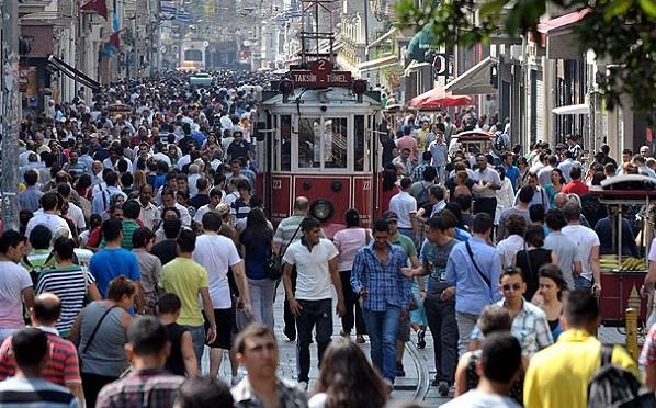 İstanbul'da 3 milyon 10 milyona hizmet ediyor
