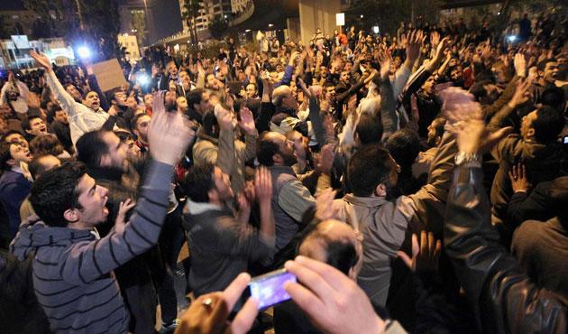 Ürdün'de Kerry'e Filistin protestosu
