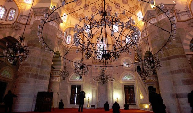 Mihrimah Camii yeniden ibadete açıldı