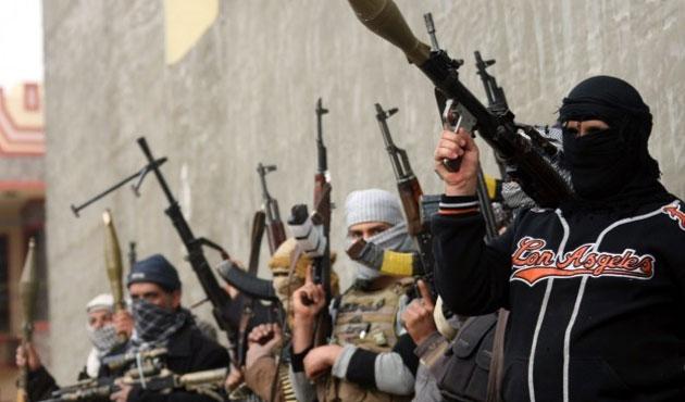 Nusra'dan IŞİD'e ilk kez intihar saldırısı
