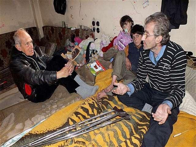 Humus'ta insanlar açlıktan aklını kaybediyor