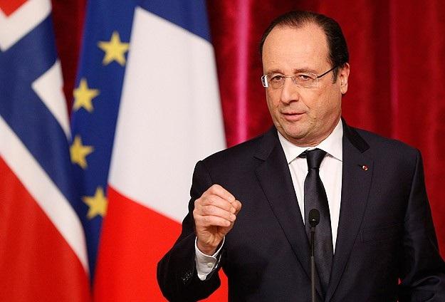 Hollande'ın popülaritesi dibe vurdu