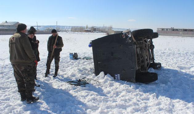 Özel harekat aracı takla attı, bir polis can verdi