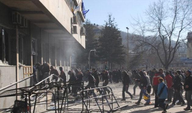 Bosna Hersek karıştı; bilanço ağırlaşıyor!