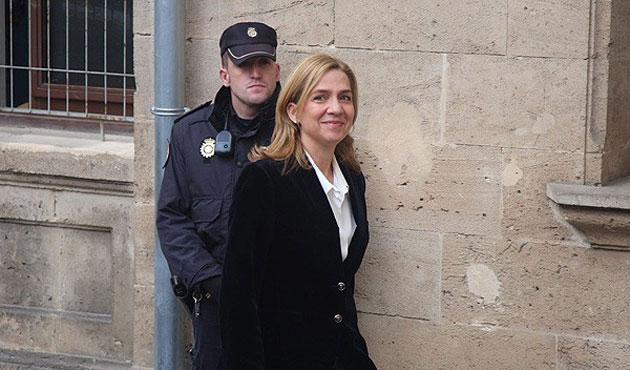 İspanya Prensesi hakim karşısında