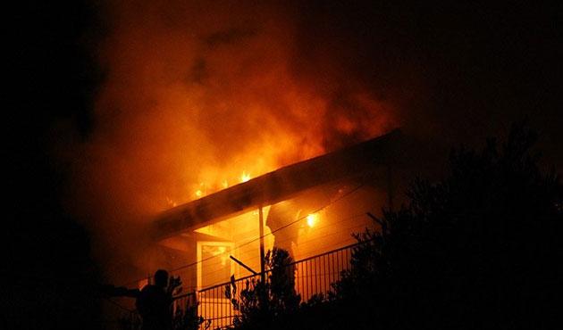 Medine'de otel yangınında 17 kişi öldü