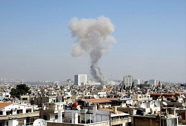 Esad havan topuyla vurdu: 7 ölü