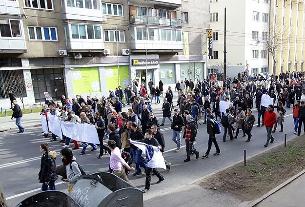 Bosna Hersek'teki protestolar sürüyor