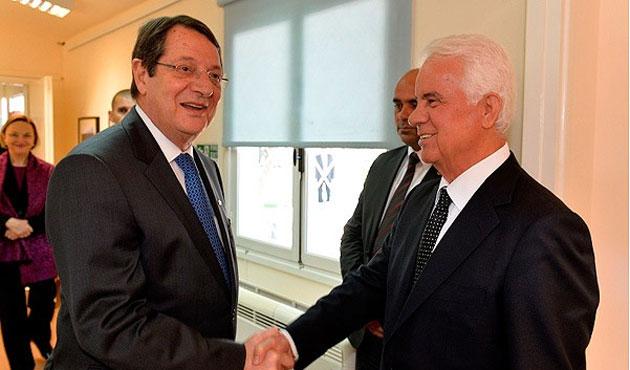 Kıbrıs'ta yıllar sonra ilk buluşma