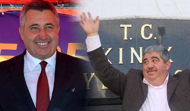 CHP'li üç belediye başkanı daha istifa etti