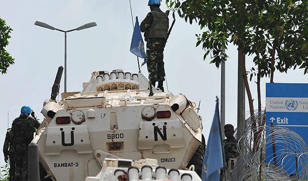 Fransa Orta Afrika trajedisinde kapana kısıldı