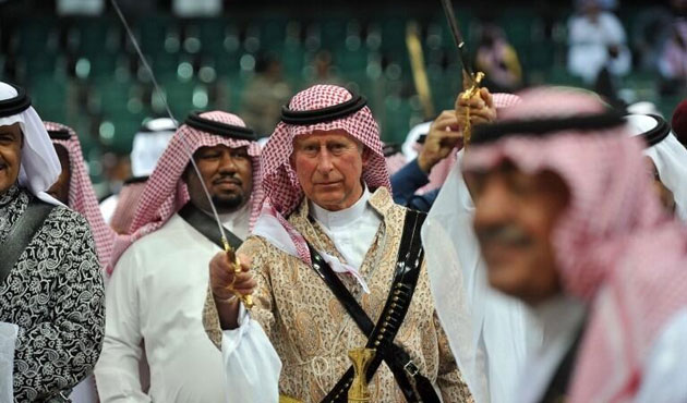 İngiltere Prensi Charles, Lawrence gibi! / FOTO
