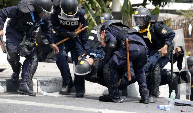Tayland'da ordu sıkıyönetim ilan etti