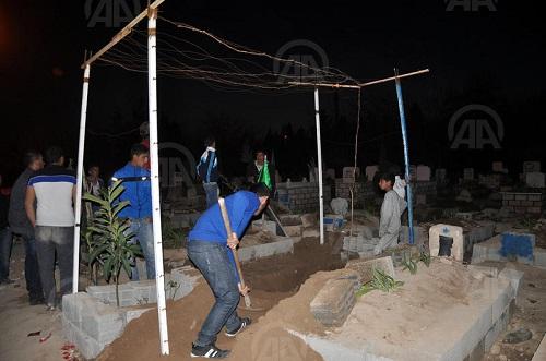 'Ses geliyor' diye mezarı açtılar
