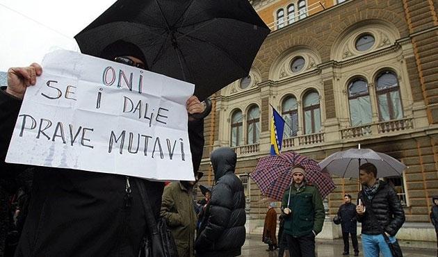 Bosna'da gösteriler devam ediyor